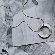 mia silver necklace | close up