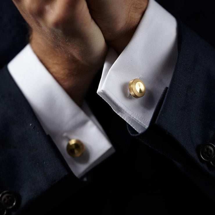 oliver brass cufflink | how to wear