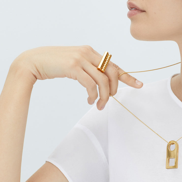 esme gold necklace | how to wear with t shirt