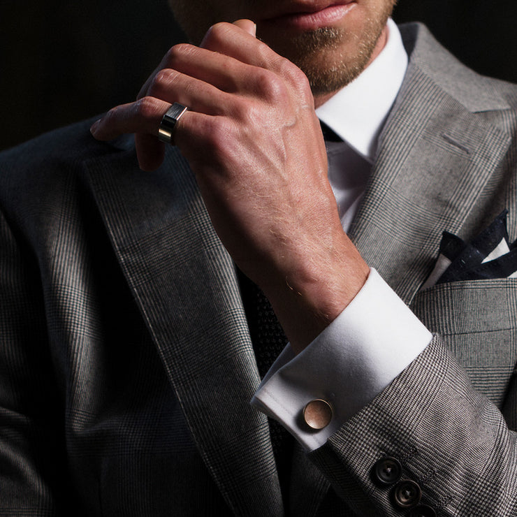 polished signet ring | how to wear