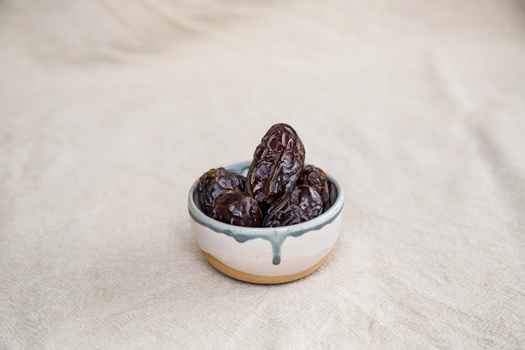 Why did Naked Paleo choose dates as an ingredient for their whole food bars blog post
