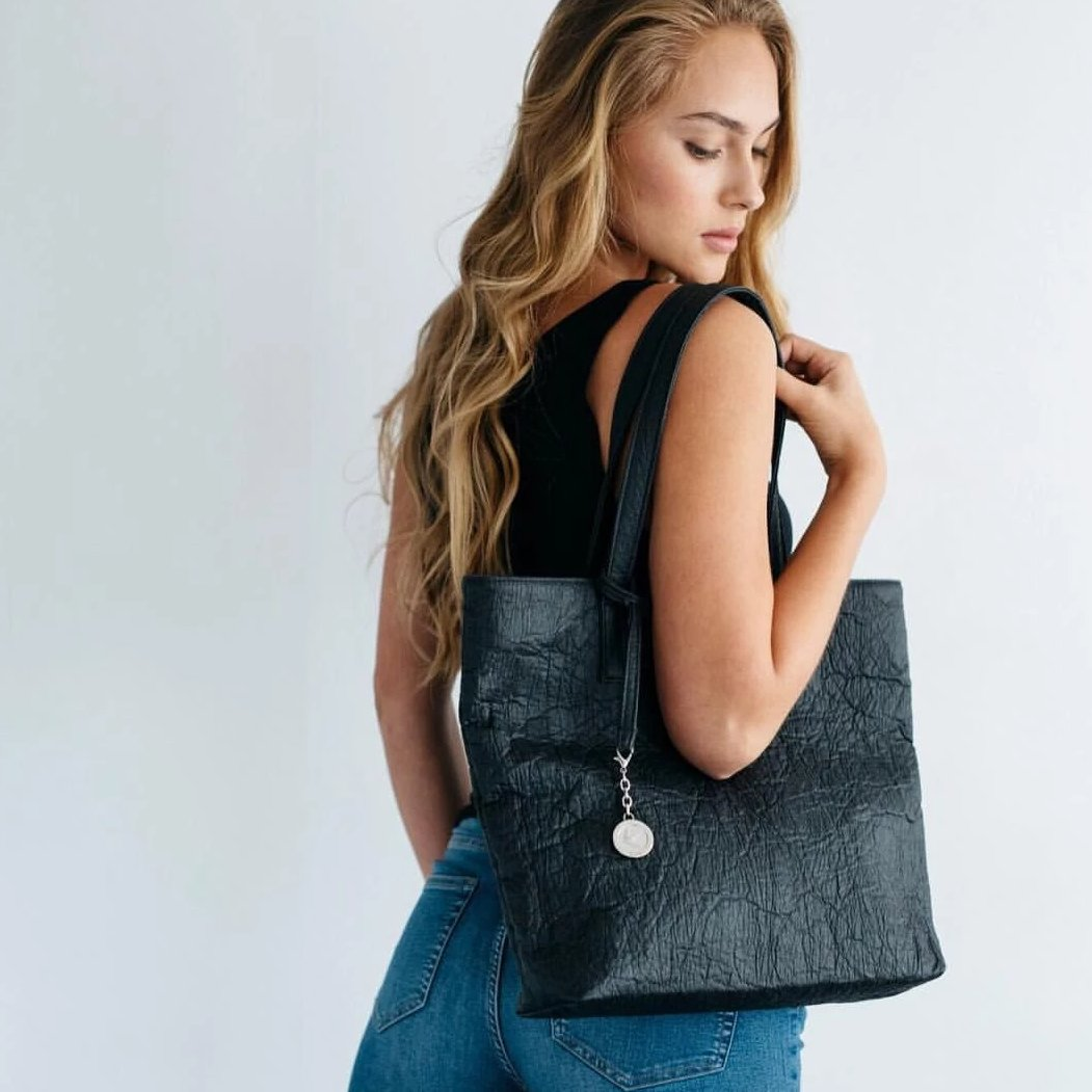 Svala vegan Simma tote in black pinatex