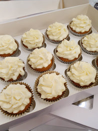 Plain cupcakes (iced or un-iced)