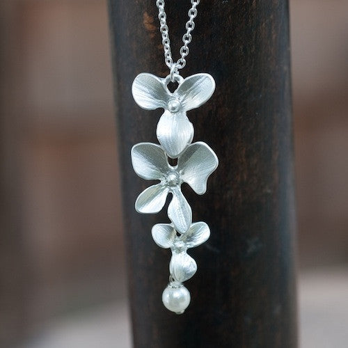 Orchid & Pearl Necklace