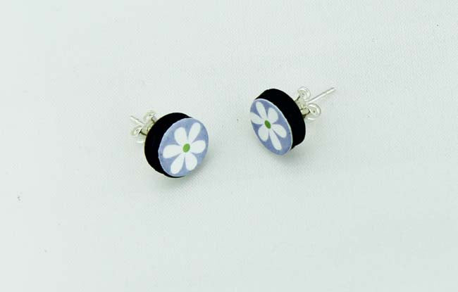 Round Mauve Flower Earrings