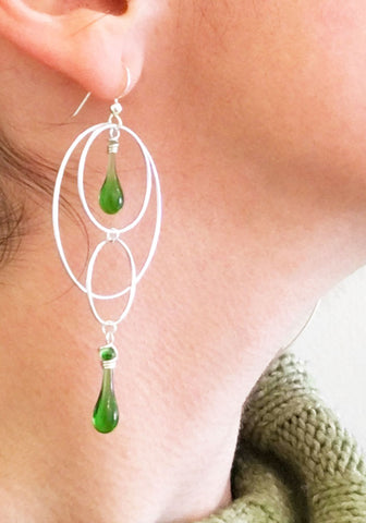 Overlapping Circles Ear Rings in kelly green, made from ginger ale bottles