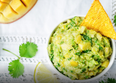 Spicy_guacamole_recipe_super_bowl_2017