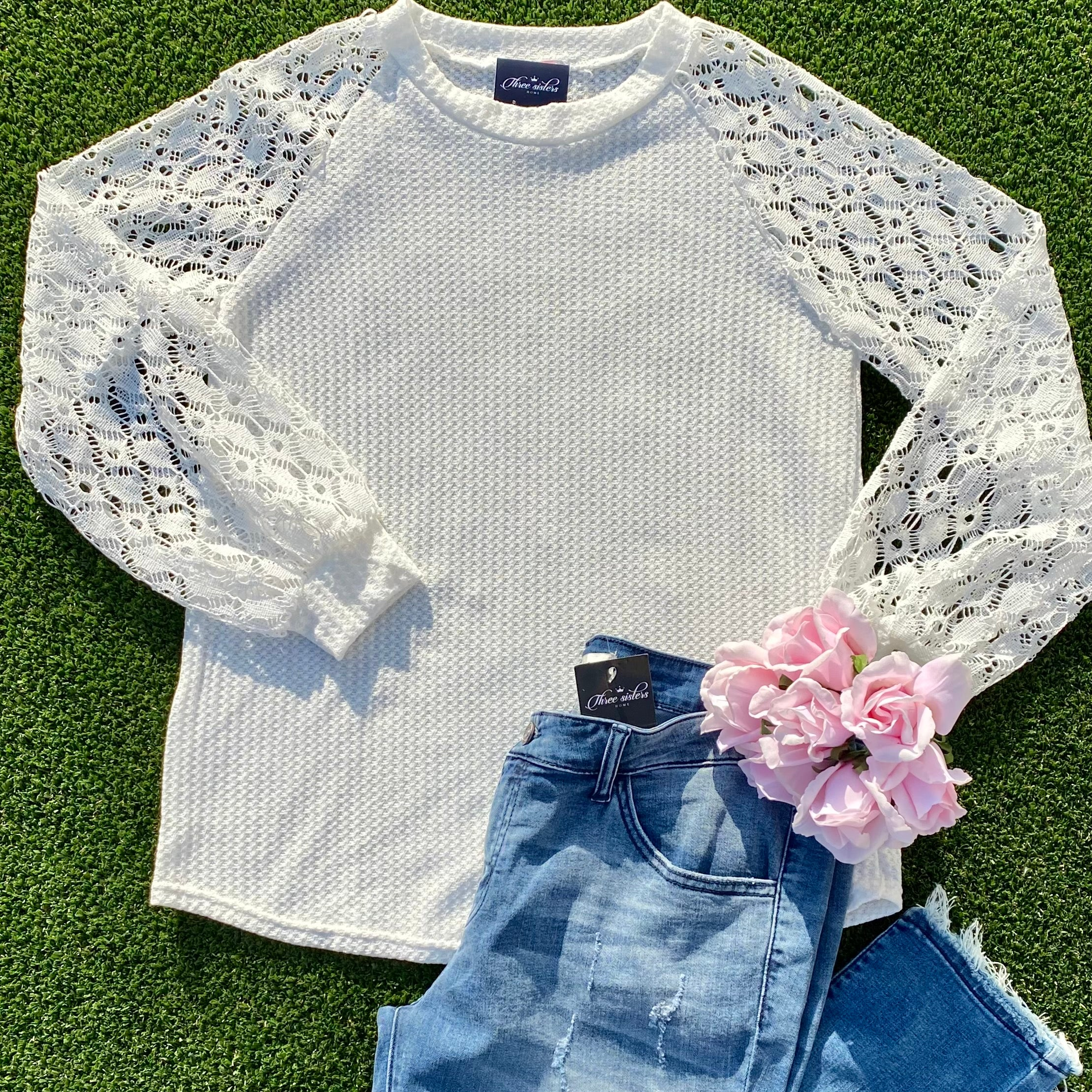 White knit top w/lace sleeve