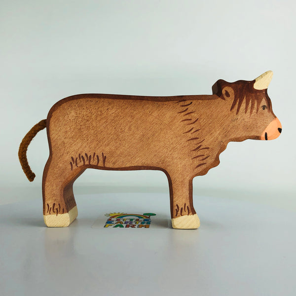 holztiger highland cattle standing