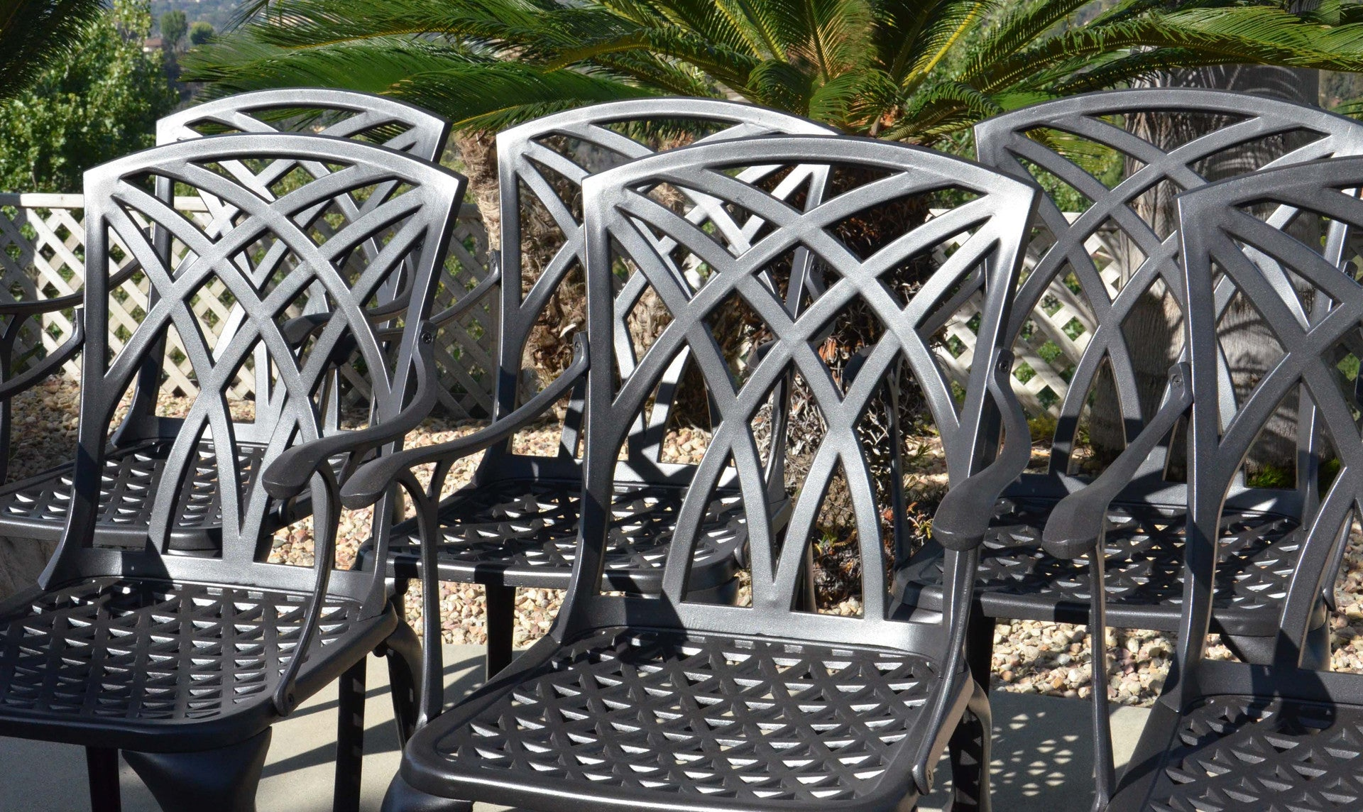 CAST ALUMINUM PATIO TABLE AND CHAIR