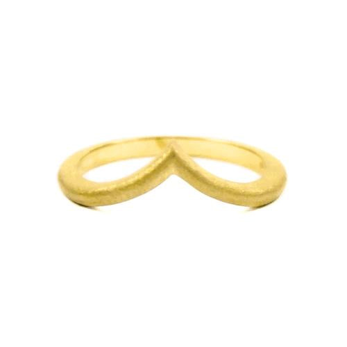 Samantha Louise yellow gold star tracer ring with simple arrow shape