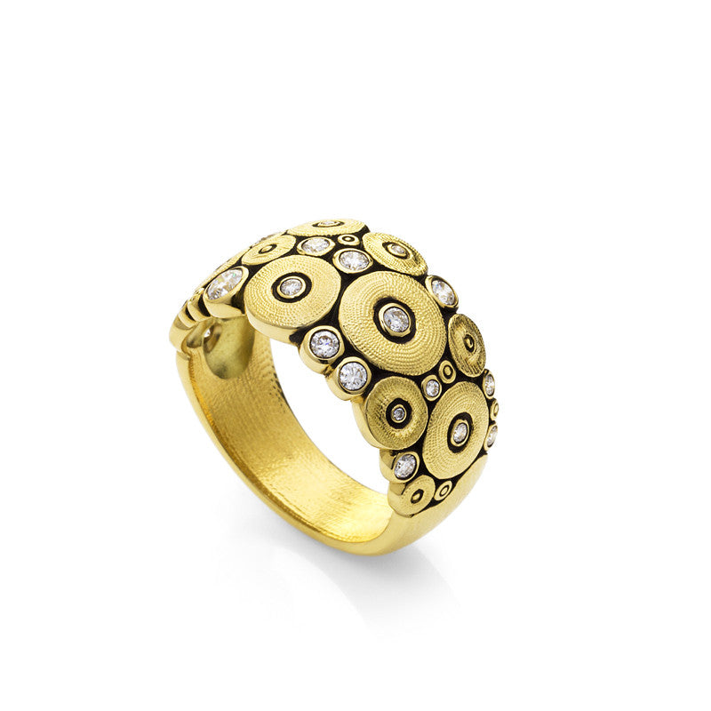 "18K yellow gold ""Ocean"" ring with diamonds"