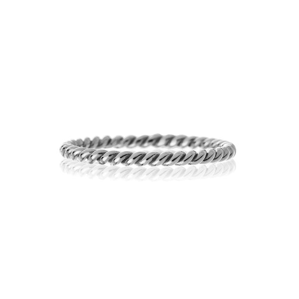 18K white gold fine twisted rope ring