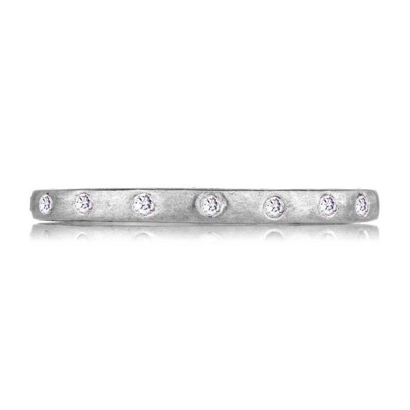 18K white gold narrow Dunes diamond eternity band