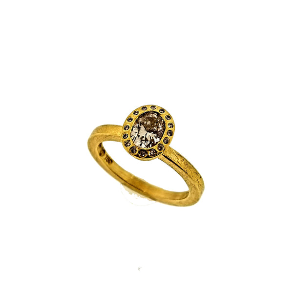18K yellow gold oval diamond ring