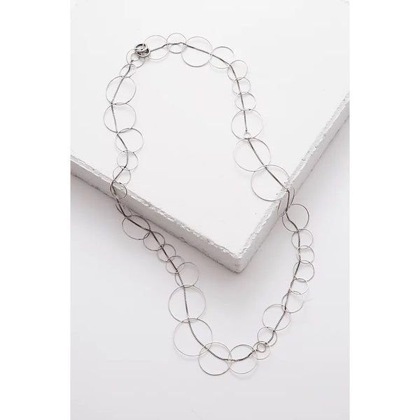 Zuzko 3 in 1 necklace with large, thin silver circles looped into luxurious chain