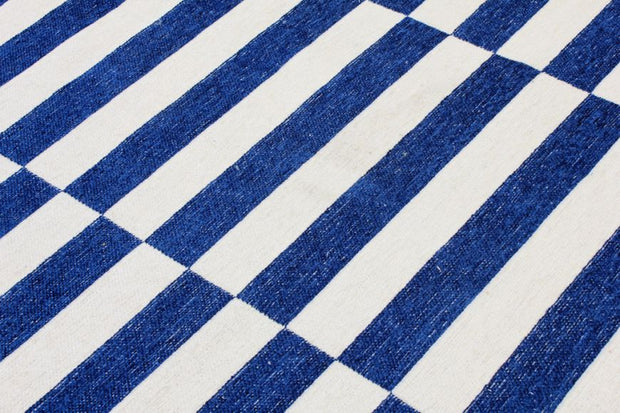 Diva Double Sided Blue - White Carpet