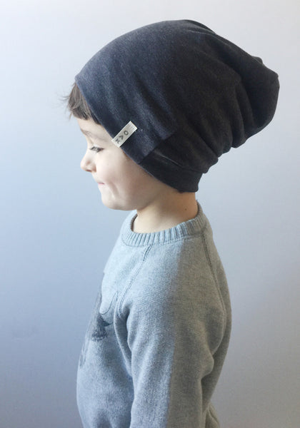 The Essential Slouch Beanie | Charcoal