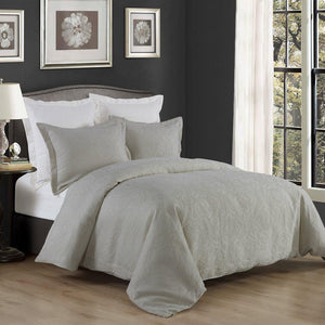 Matelassé Gray Bedding Set