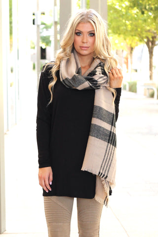 Oversized Plaid Scarf | Black/Tan