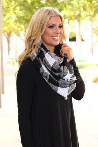 Woven Plaid Infinity Scarf | Black/White
