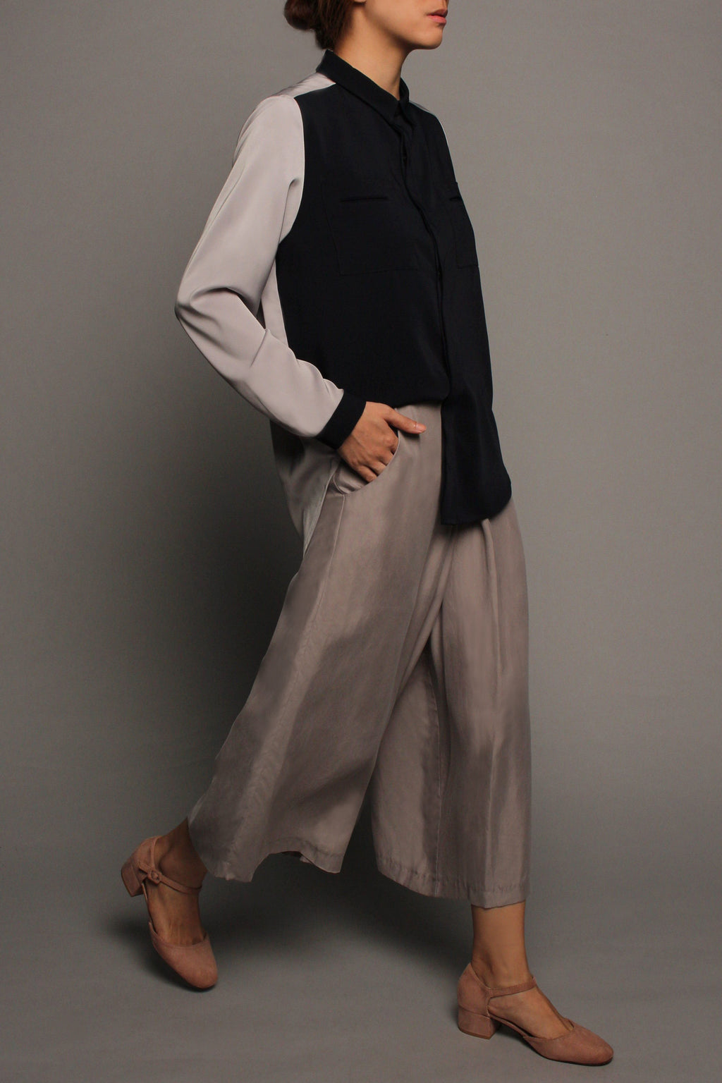 Long Sleeved Double Pockets Top (Grey & Midnight)