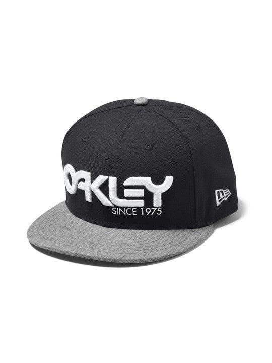 OAKLEY 75` SNAP - BACK CAPS