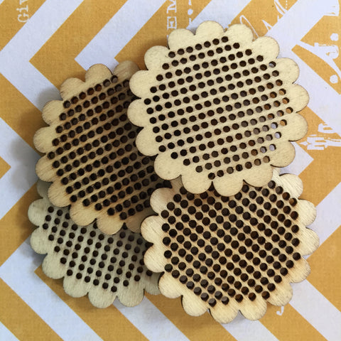 Stitchable Wood Pendants ~ 4 PCS Scallop Flower Circle Cross Stitch Needlepoint