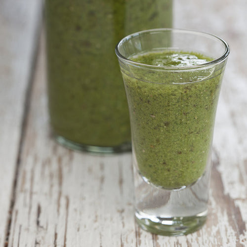 Green smoothie with Mara Seaweed Dulse flakes
