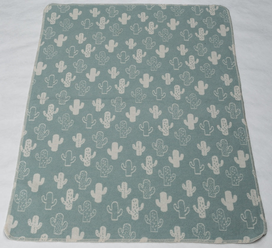 david fussenegger juwel blanket two tone cactus green