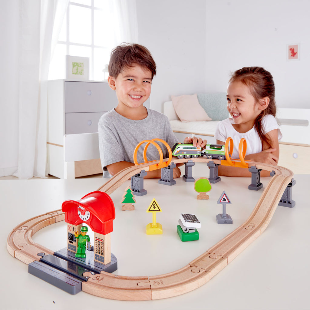 hape solar power circuit train set