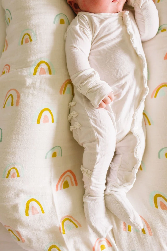 loulou lollipop luxe muslin fitted crib sheet pastel rainbow