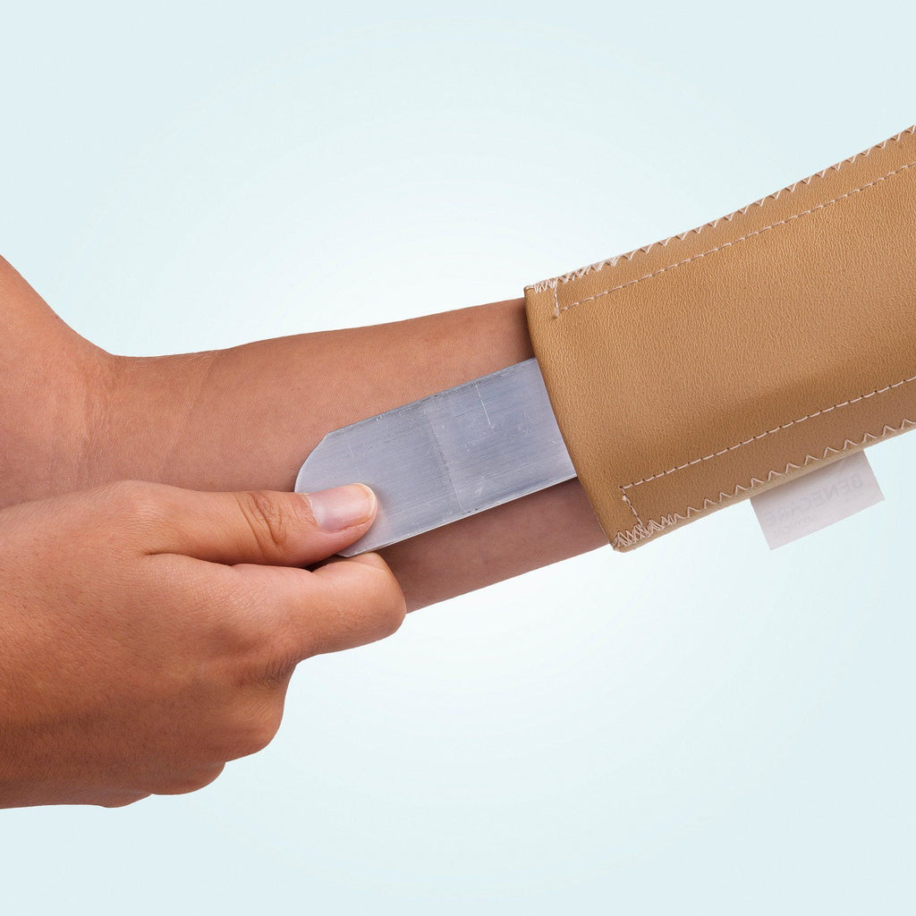 The Benecare Neoprene Open Wrist/Thumb Support removable/adjustable stay.