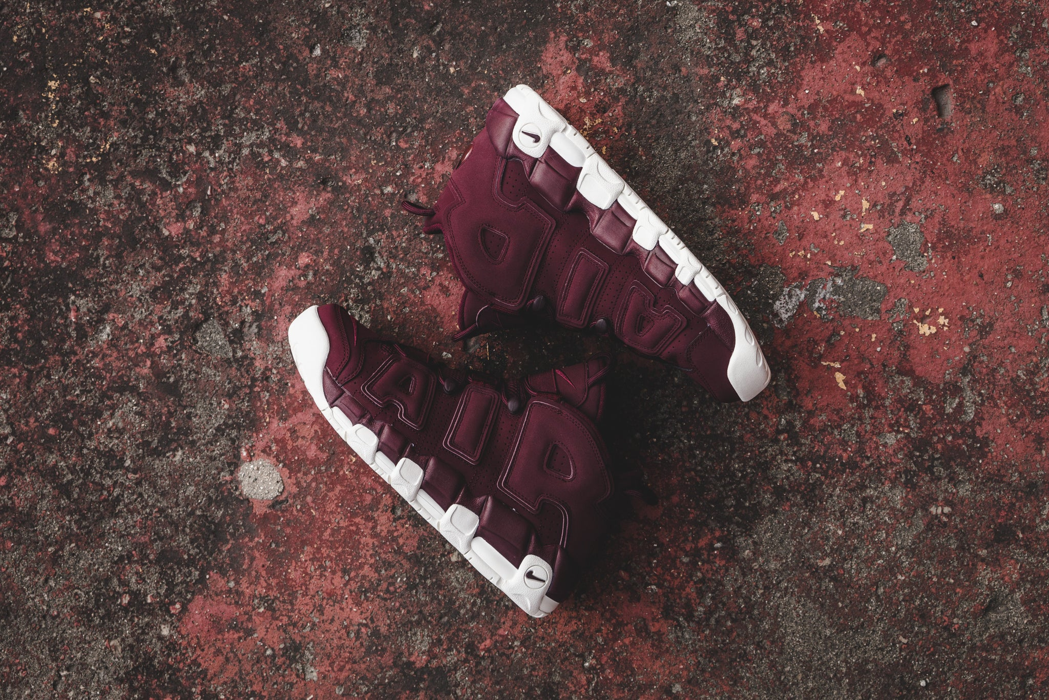 Nike Air More Uptempo Bordeaux at Notre