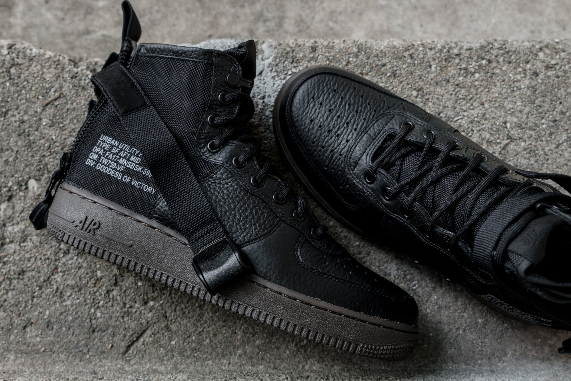 nike special field air force 1 mid black dark hazel notre. Black Bedroom Furniture Sets. Home Design Ideas
