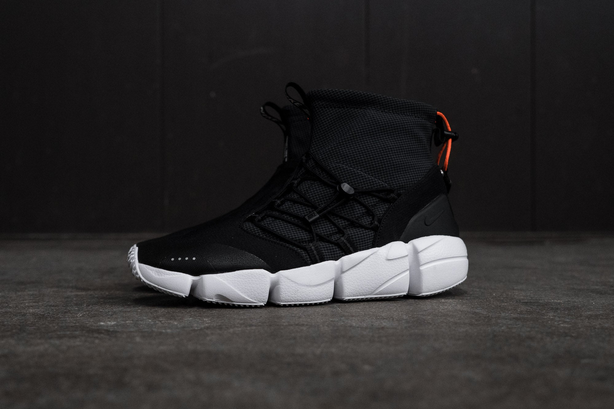 Nike Air Footscape Utility Mid DM