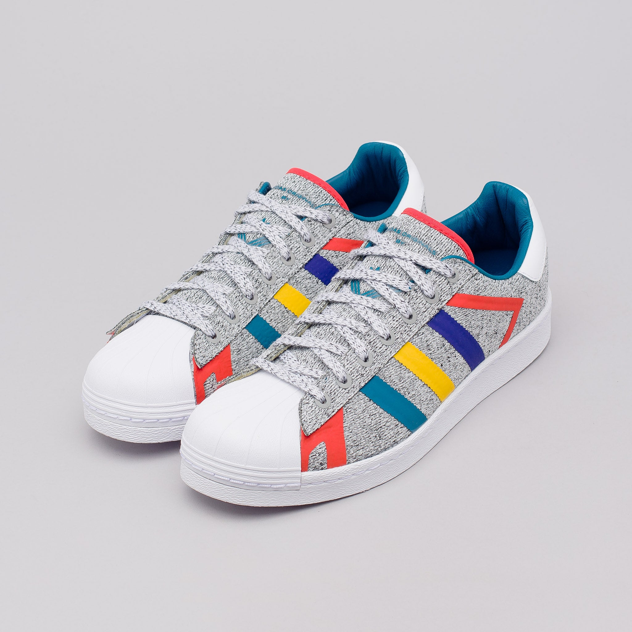x White Mountaineering Superstar in Grey/White