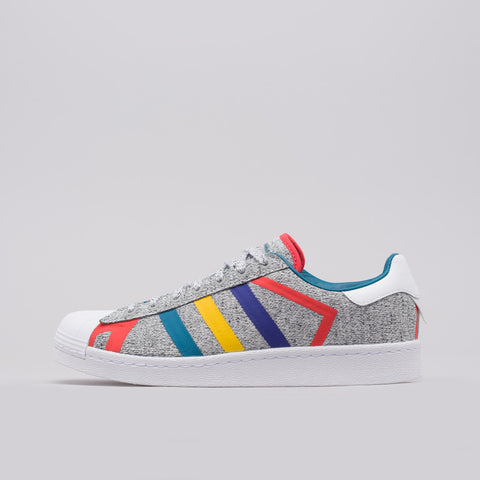 adidas x White Mountaineering Superstar in Grey/White - Notre