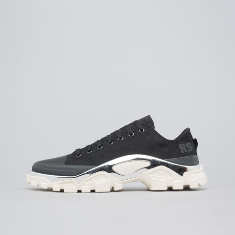 Adidas x Raf Simons Detroit Runner in Black/White - Notre
