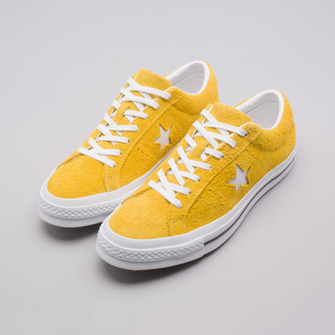 Converse One Star Ox in Mineral Yellow - Notre