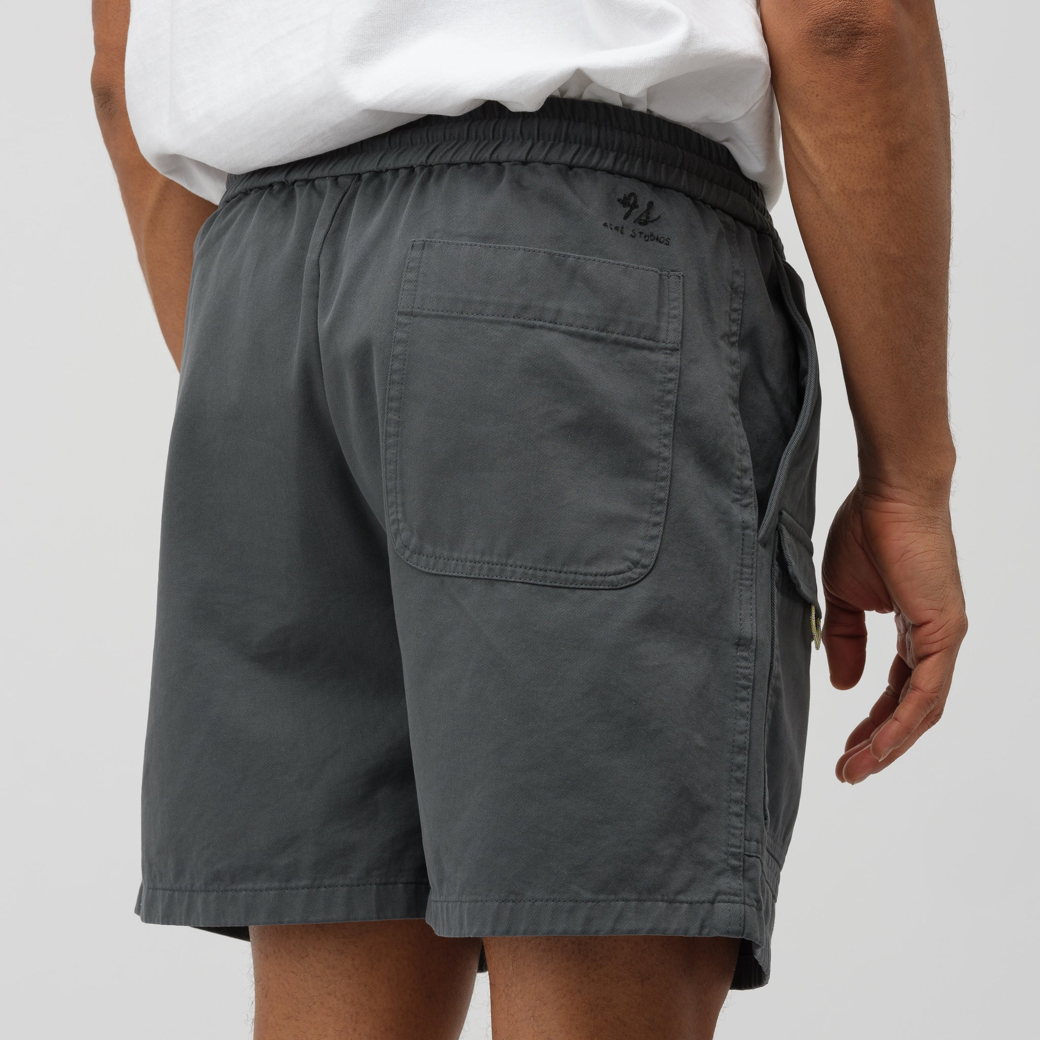 Rosso Shorts in Anthracite Grey
