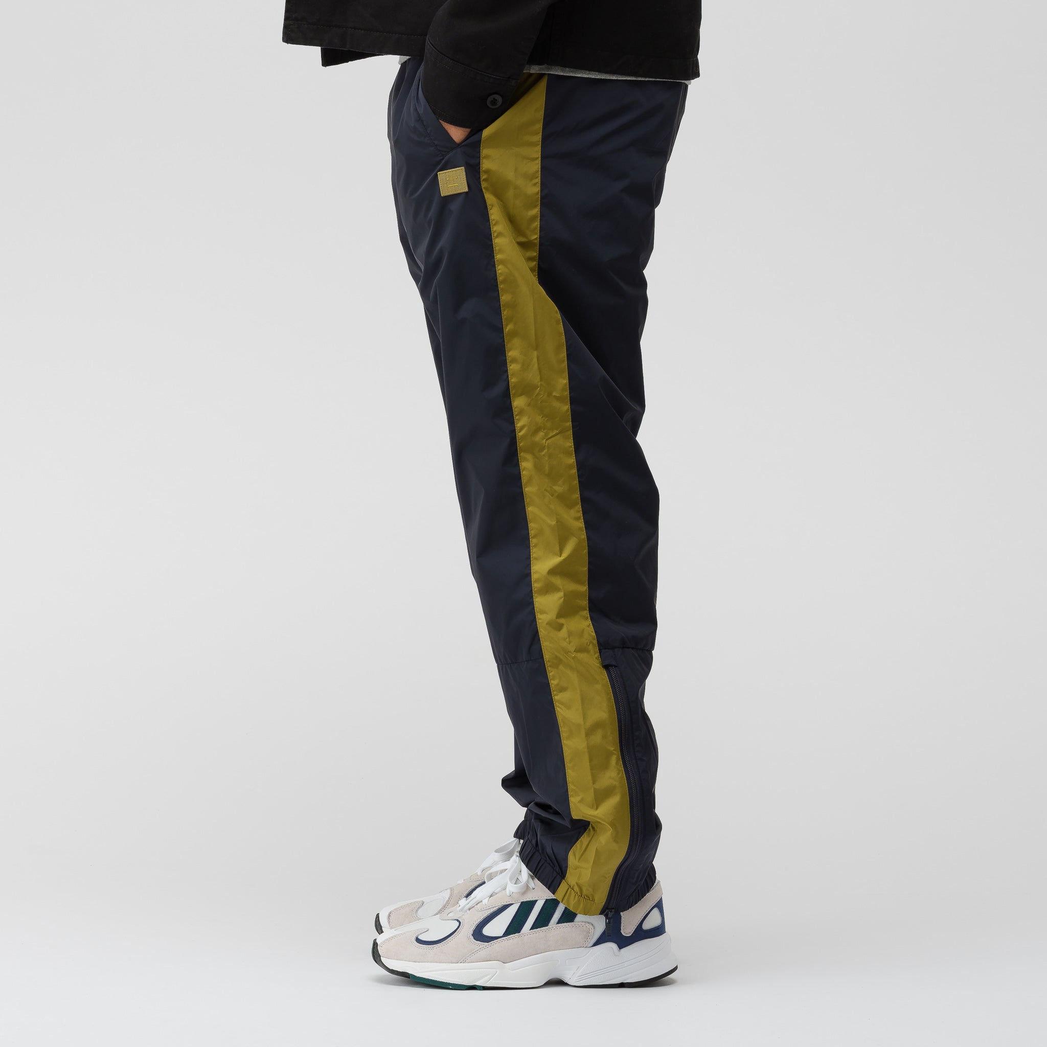 Track Pant in Navy Blue