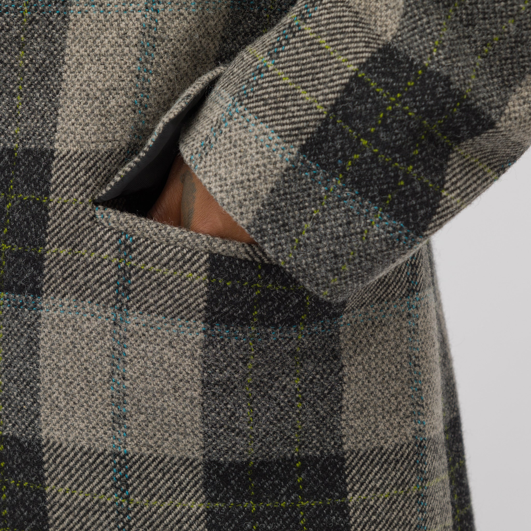 Long Wool Coat in Grey/Green