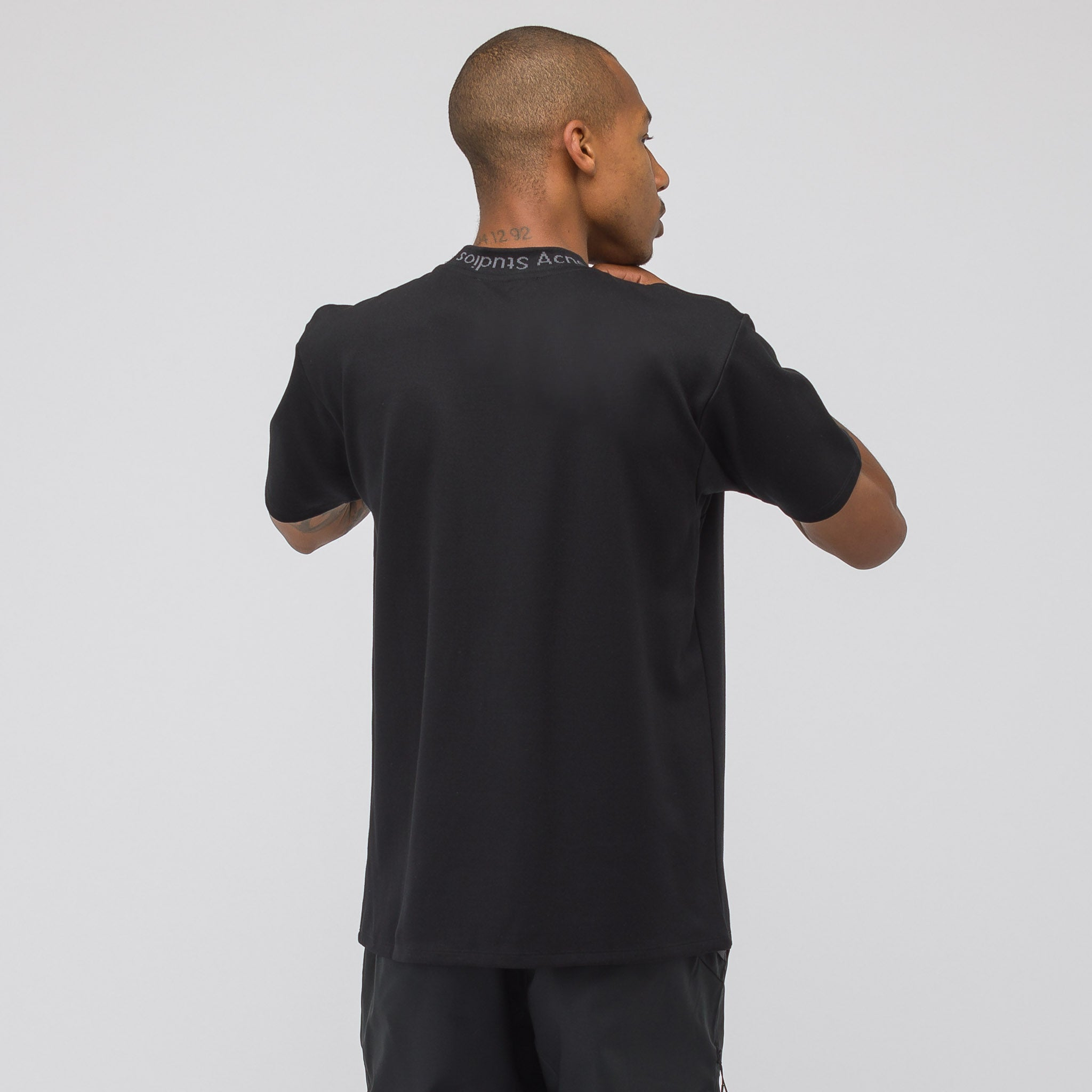 Navid T-Shirt in Black