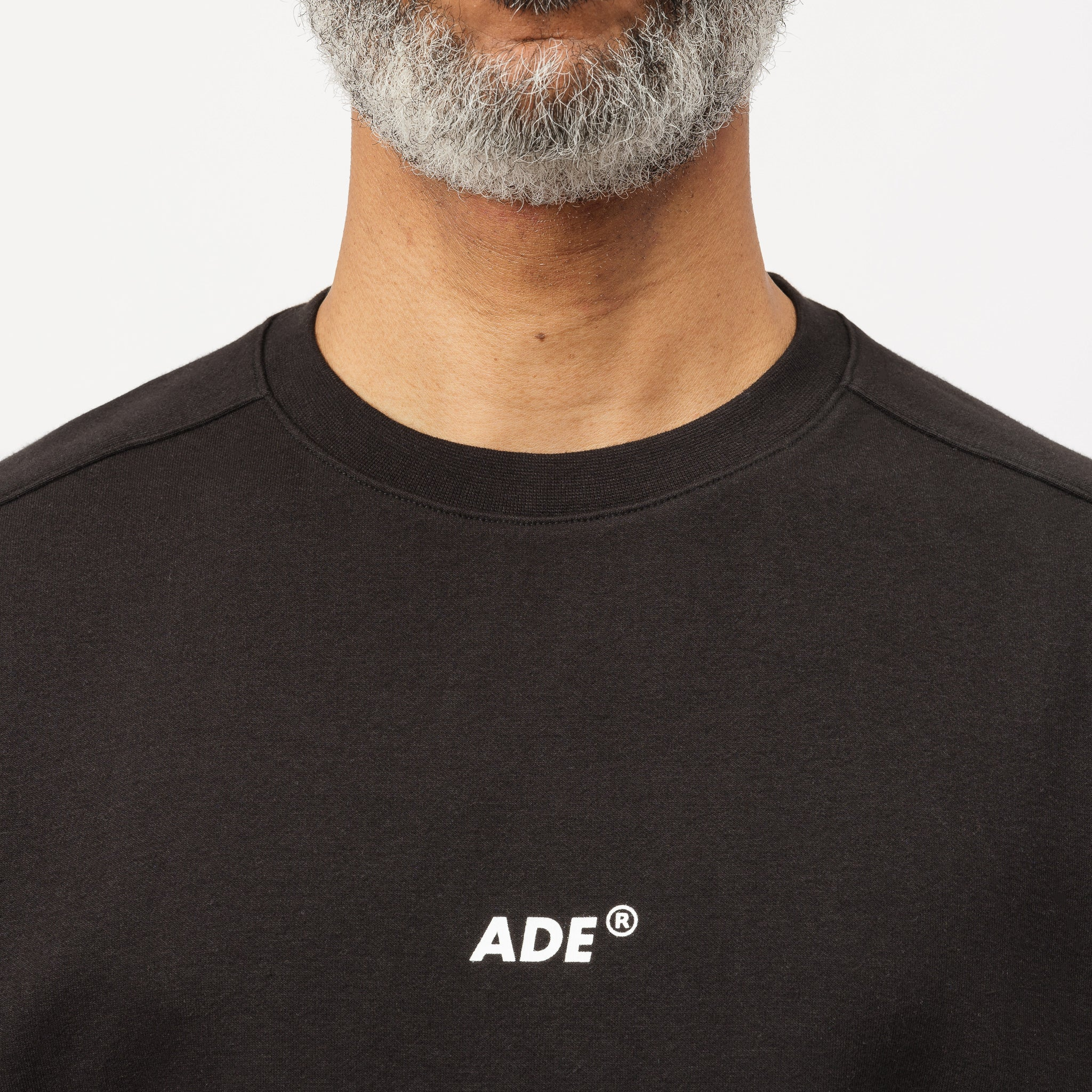Ade T-Shirt in Black