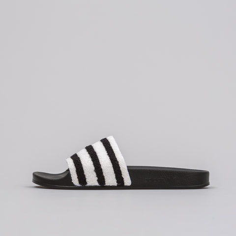 Adidas Adilette Contrast Band in Black - Notre
