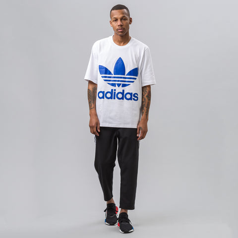 Adidas Boxy Trefoil Tee in White - Notre