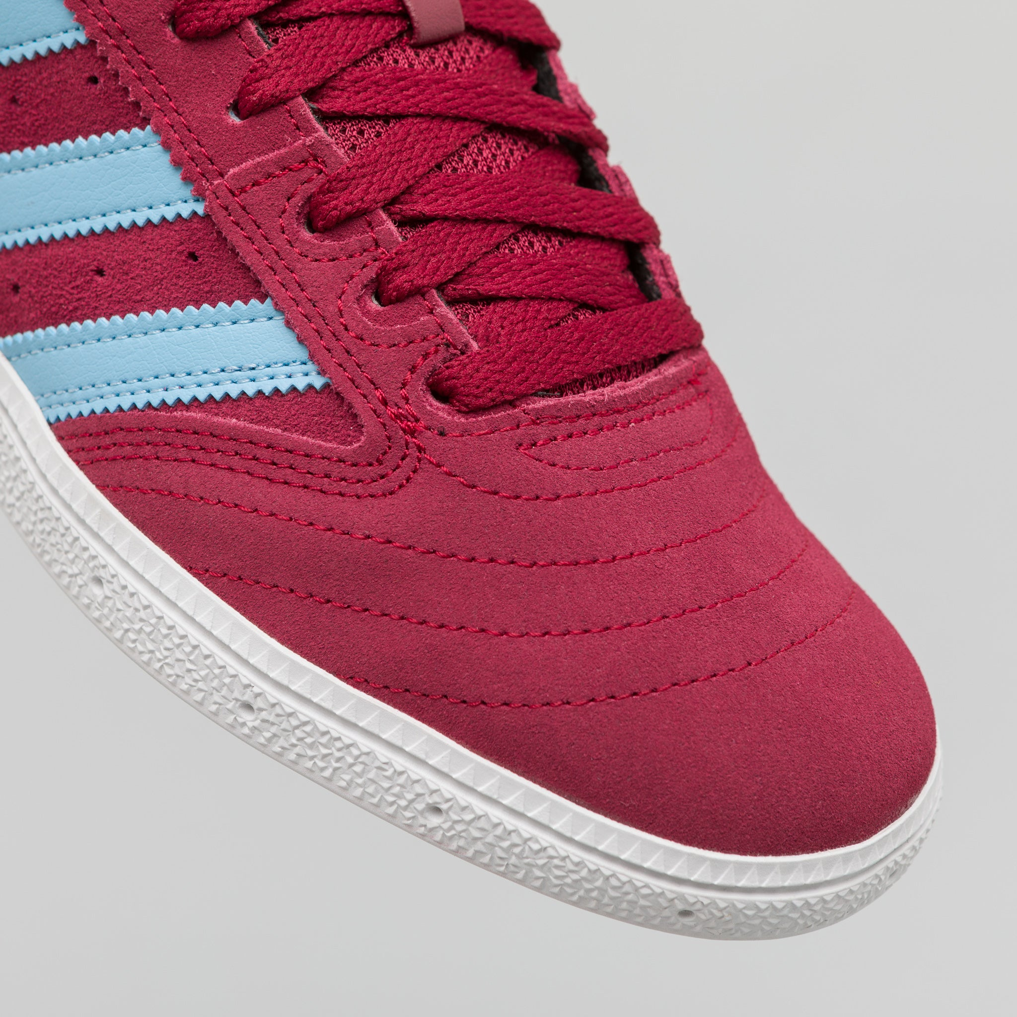 Busenitz in Burgundy/Blue