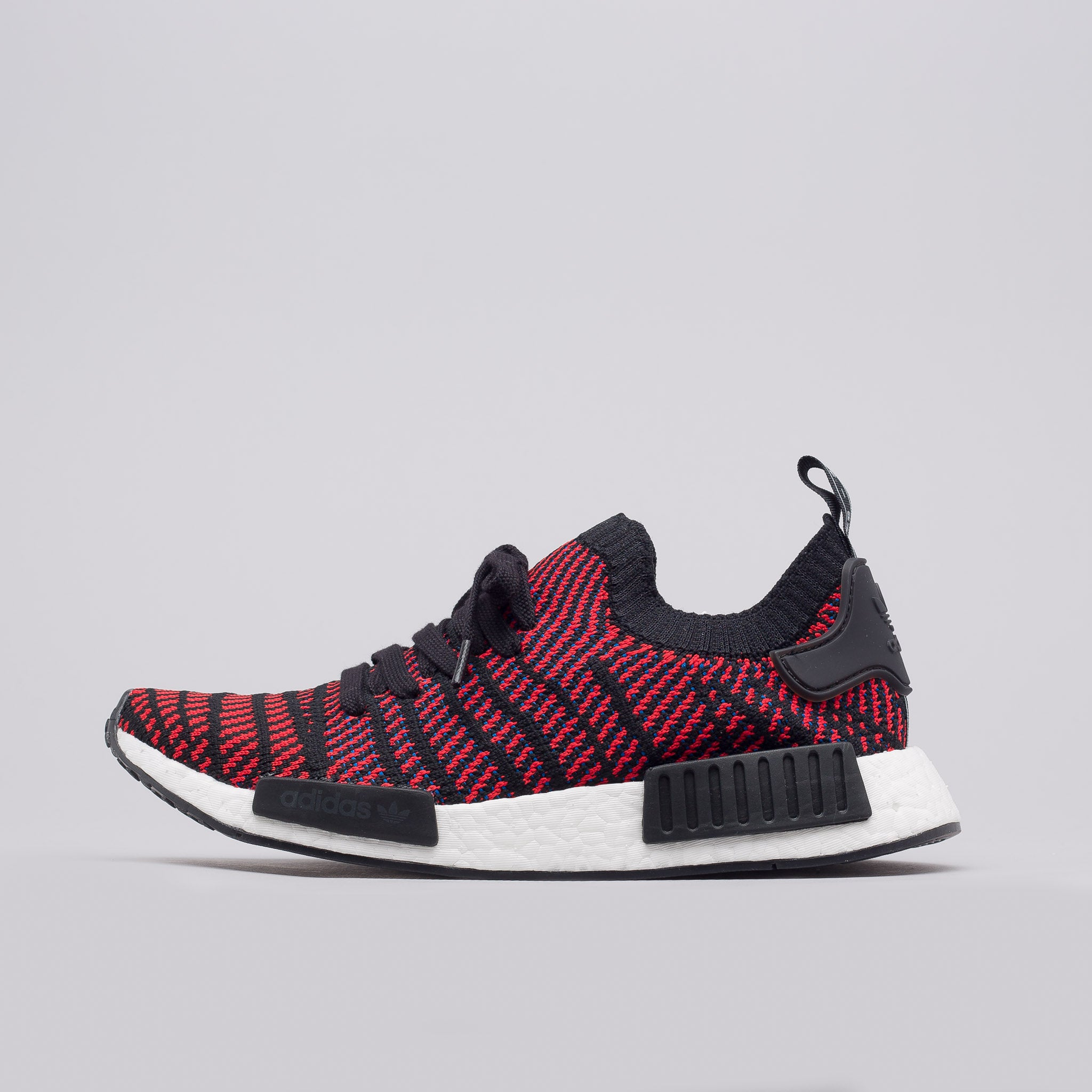 adidas nmd r1 prime knit core black / shock pink ladies trainers