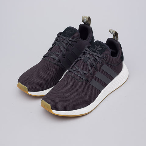 Adidas NMD R2 in Core Black/Trace Olive - Notre